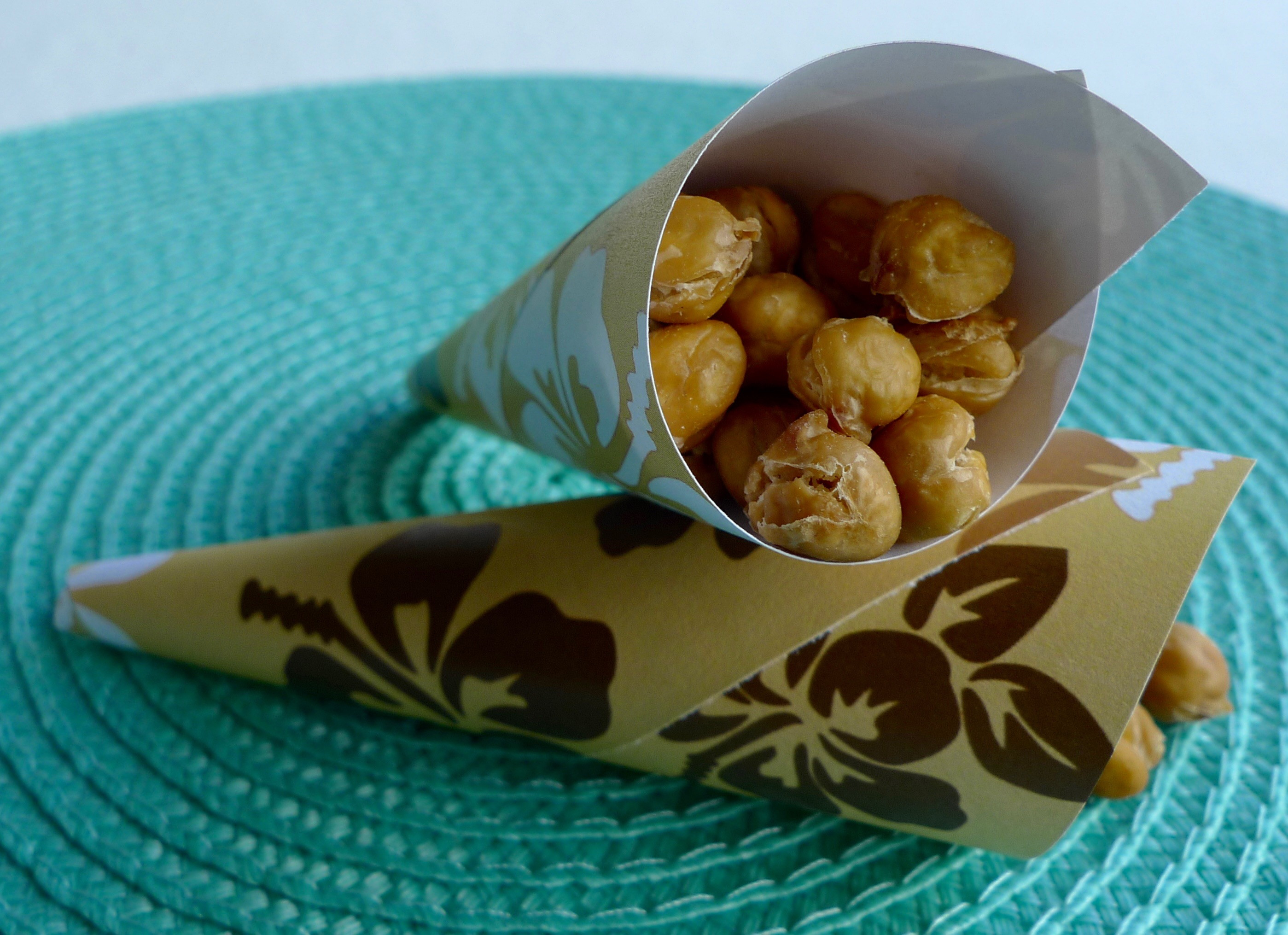 Beachside Snack ~ Crunchy Roasted Chickpeas with Hawaiian Sea Salt ...